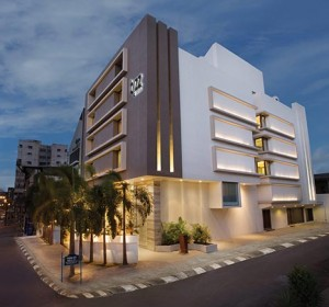 bizz the hotel rajkot contact number